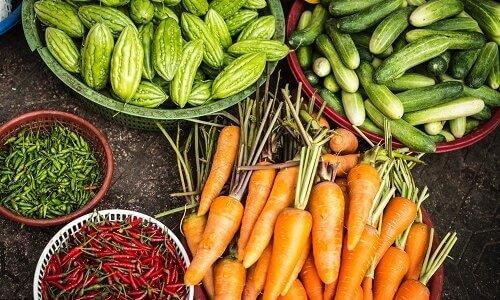 ローリングストック法とは?非常食以外は難しい?備蓄リスト一覧と保管場所を解説